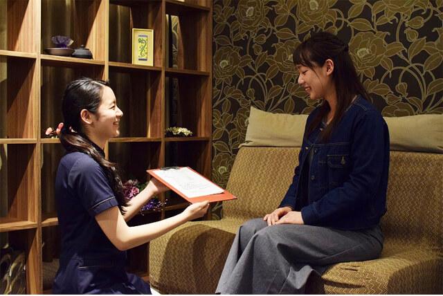 福岡天神で女性鍼灸師による美容鍼